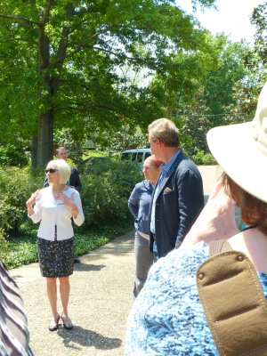 The first lady of Arkansas welcomes G2B13 garden bloggers and sings praises of Allen's contribution to the mansion