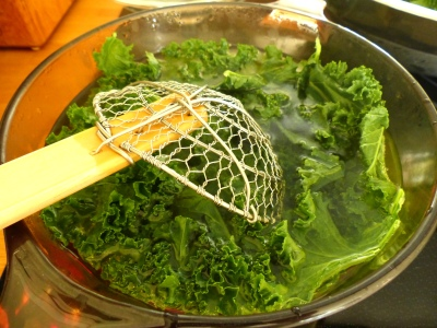 blanching kale until bright green ~ 30 seconds