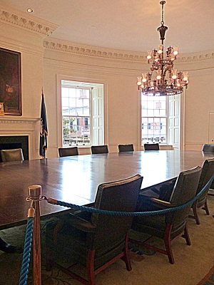 The East Oval Room, originally a lecture hall, is now the meeting chamber of the governing body, the Board of Visitors.